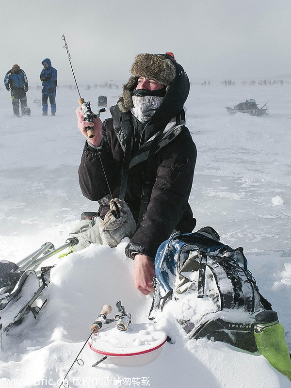 World 39 S Biggest Ice Fishing Contest In Minnesota 4