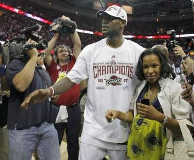Lebron James Girlfriend Savannah Images