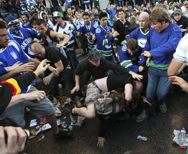 Riots in Vancouver as Canucks lose Stanley Cup