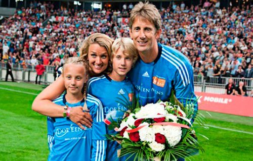 Family photo of the football player, married to Annemarie van Kesteren, famous for Manchester United & Dutch National Football Team.