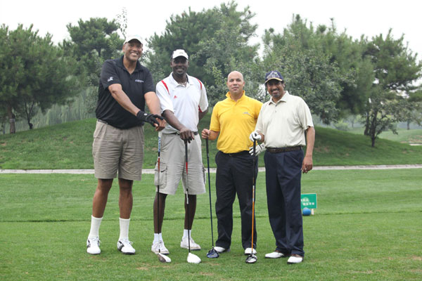 Peace recognition rolls up on the golf course