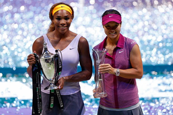 Serena beats Li Na for WTA title