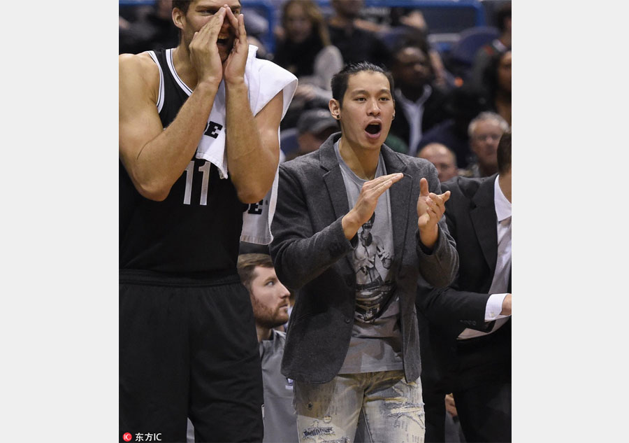 Looking out for team: Injured Jeremy Lin helps coach[6]- Chinadaily ...