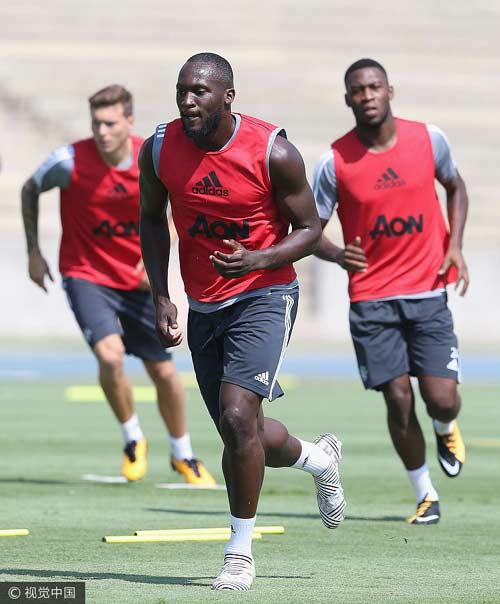 Lukaku joins Man United for $97 million from Everton