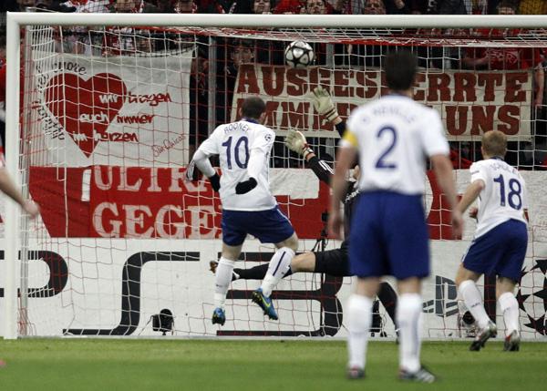 欧冠1\/4决赛:曼联遭压哨绝杀 拜仁2-1曼联