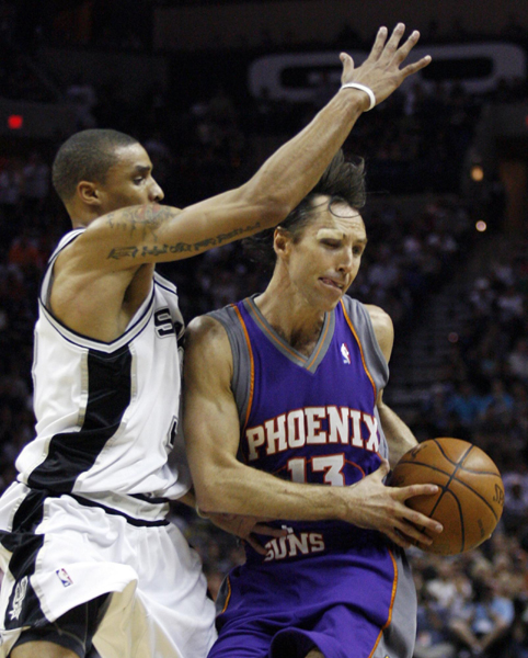 NBA:独眼纳什带太阳率先晋级 马刺被0:4横扫