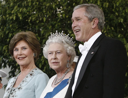 Bush Offers Spectacle Fit For Queen