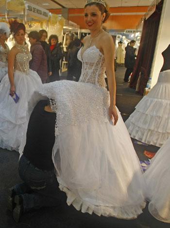 Wedding fair kicks off bridal season for Last season wedding dresses