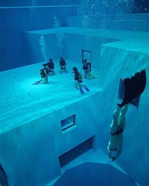 World 39 S Deepest Swimming Pool