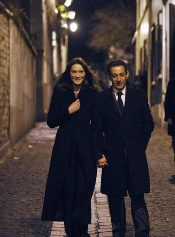 nicolas sarkozy wife. Nicolas Sarkozy (R) and