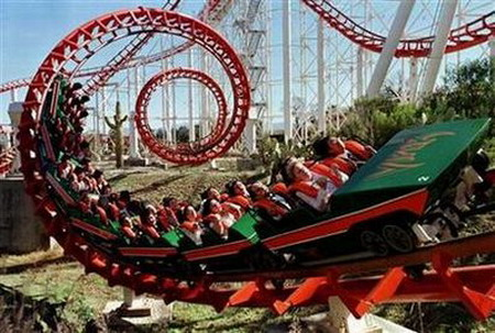 six8ss_theme park firm six flags files for bankruptcy