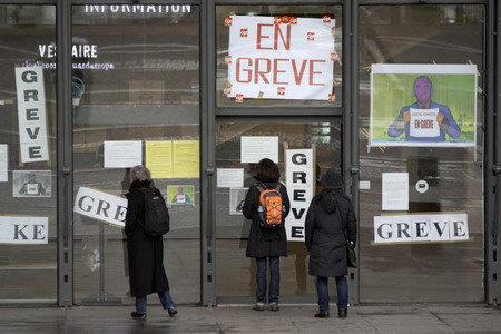 French museum strike widens over staff cuts