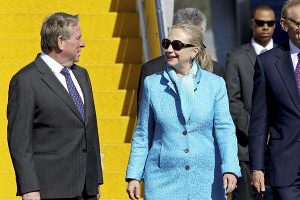 Clinton visits Perth for AUSMIN talks