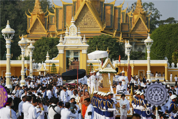 Cambodia begins funeral procession for Sihanouk