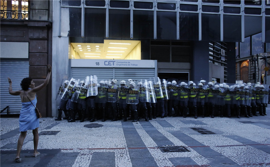 Anti-World Cup protests wane in Sao Paulo