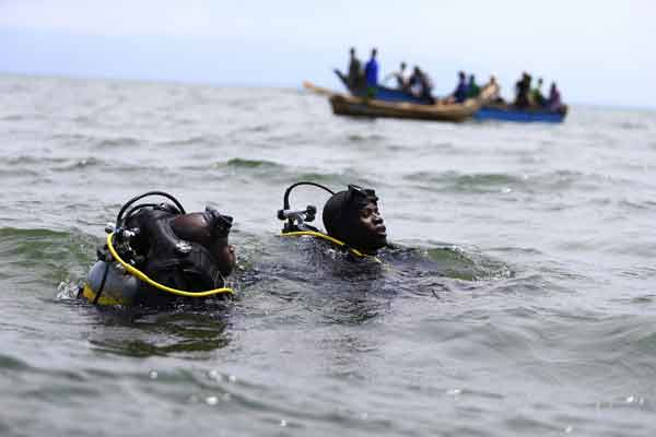 19 dead, 32 missing in Uganda boat accident