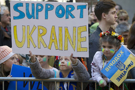 the crisis in ukraine Why are people protesting what's the bigger picture where is ukraine, anyway.