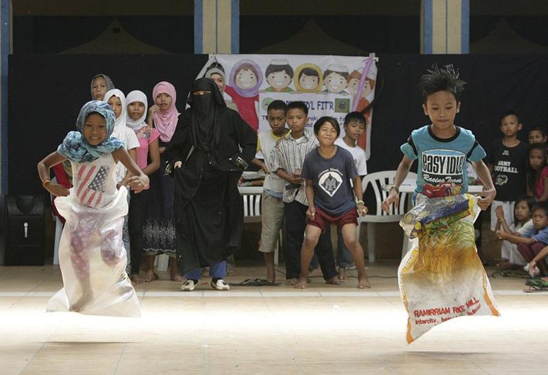 Simple Filipino Eid Al-Fitr Feast - eca86bd9ddb415426de702  Image_41659 .jpg