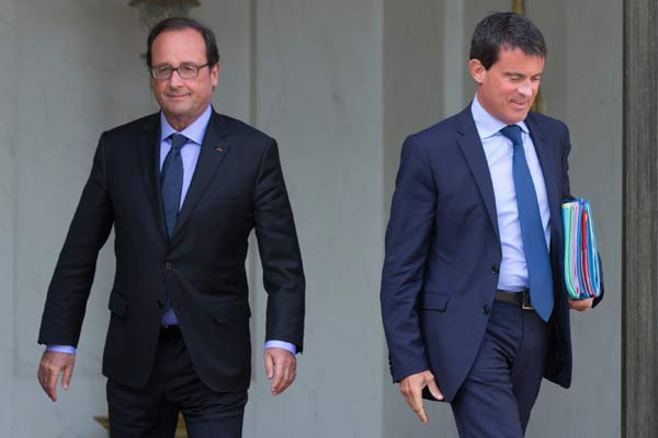 French PM presents government resignation