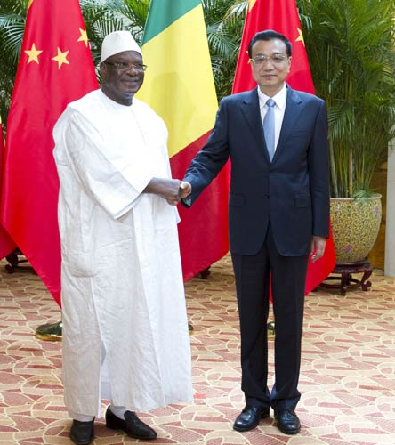China vows Ebola help in W Africa