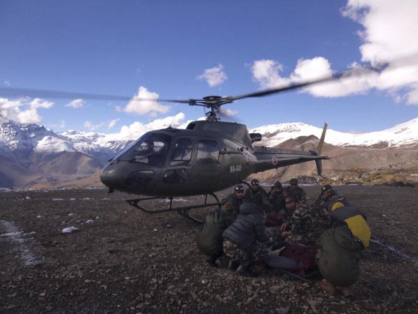 Nepal blizzards kill at least 20