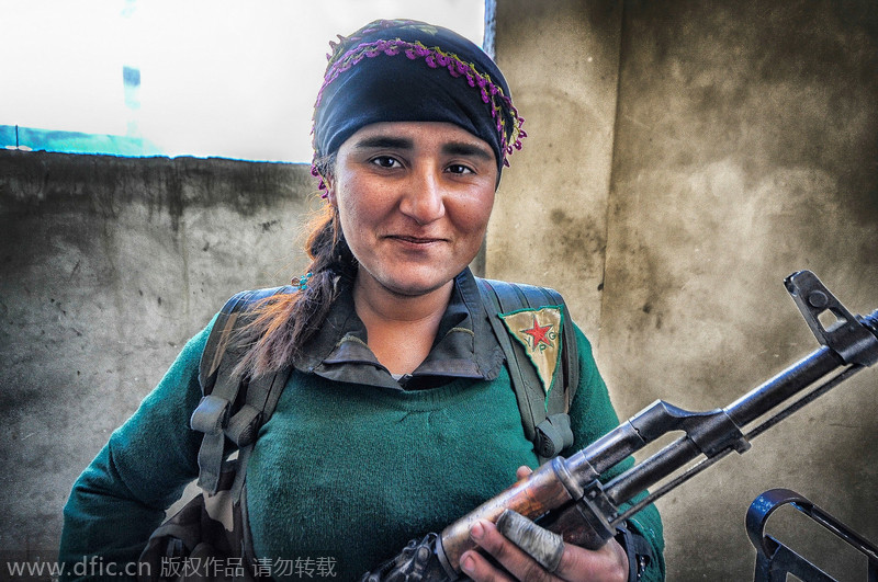 Female fighters in the battle against IS