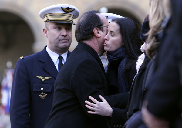 French President attends tribute ceremony for killed airman