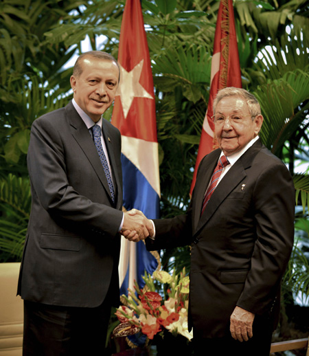 Cuban leader meets with Turkish president on ties