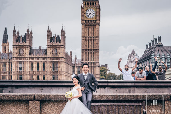 Stand Out Of The Crowd Taking Pre Wedding Photography In London