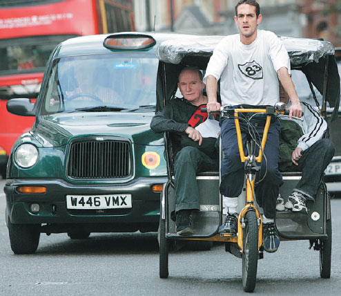 Chinese visitors urged to steer clear of London's price-gouging rickshaw drivers - World ...