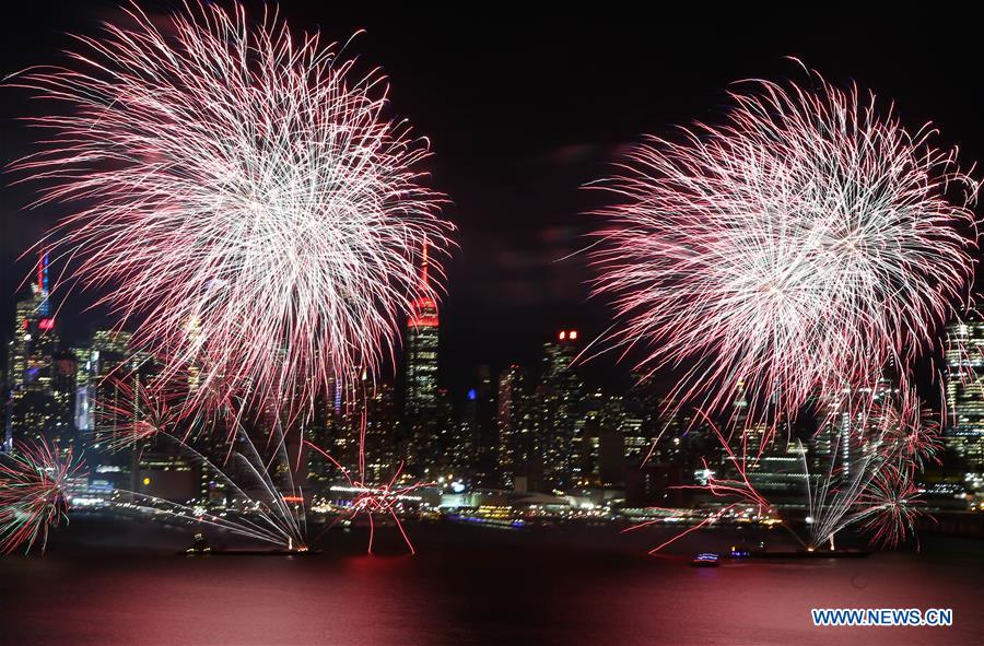 fireworks light up sky in nyc to celebrate chinese lunar new year - Chinese New Year Fireworks