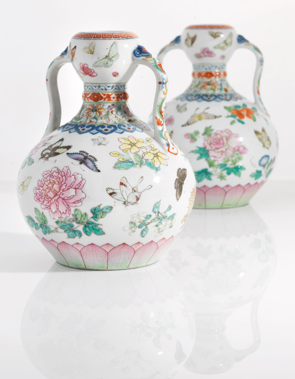 Rare Pair Of Qinglong Dynasty Vases Set To Fetch 2m Pounds In Uk