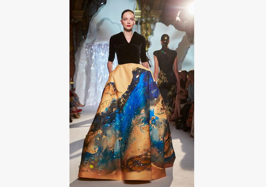 Top designer presents  shanshui  creations at Paris week. Top designer presents  shanshui  creations at Paris week 6