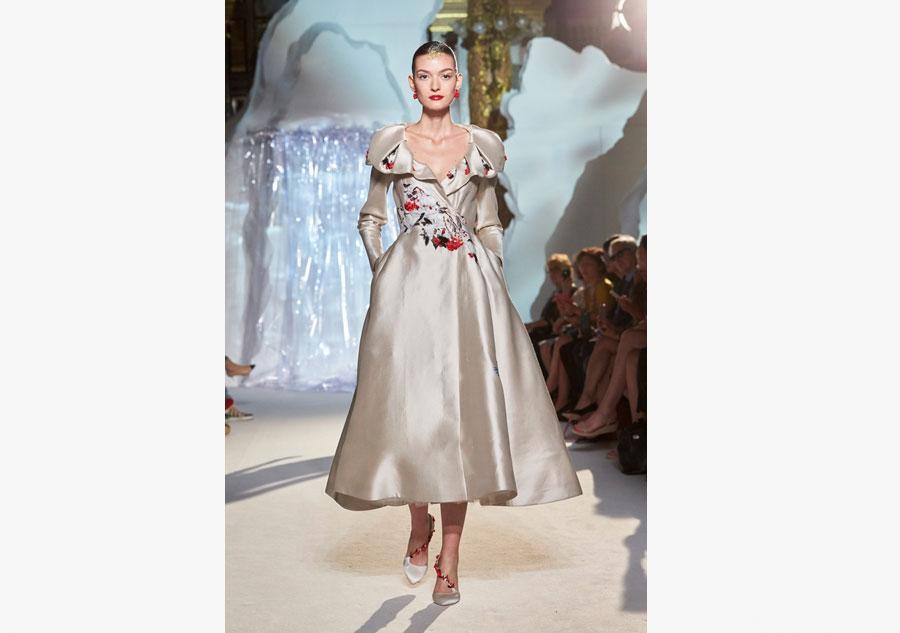 Top designer presents  shanshui  creations at Paris week. Top designer presents  shanshui  creations at Paris week 7