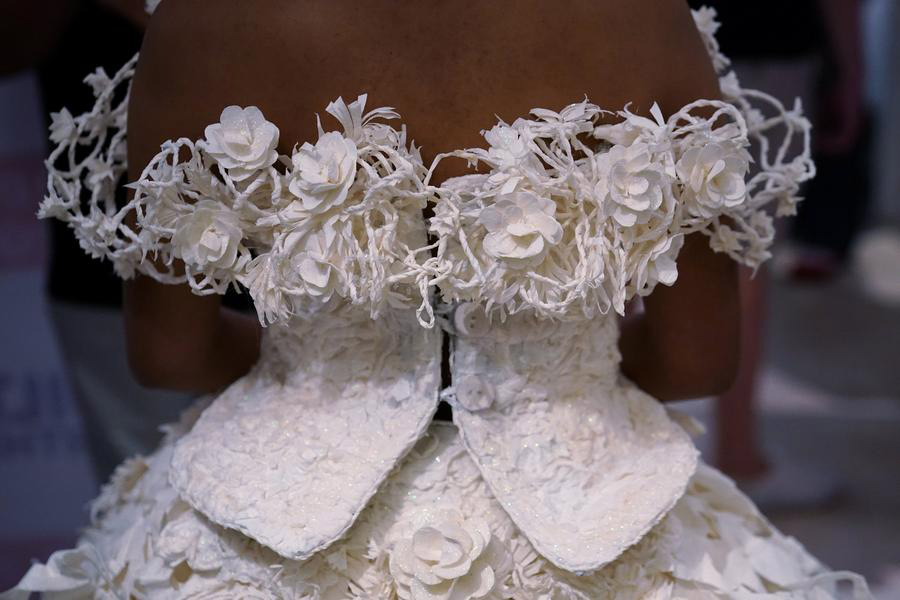 Winning toilet paper gowns offered to brides-in-need[4]- Chinadaily ...