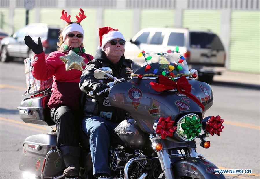 2017 Chicago Toys For Tots : Chicagoland toys for tots motorcycle parade held in us