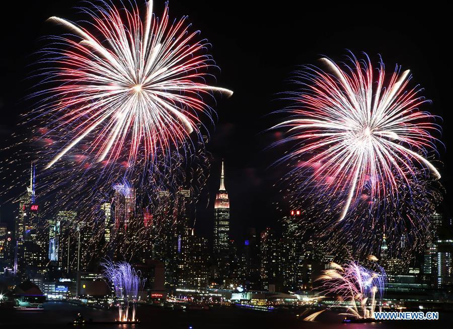 fireworks light up sky in nyc to celebrate chinese lunar new year 1 chinadaily com cn nyc to celebrate chinese lunar new