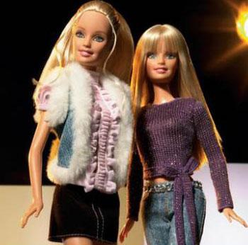 Hilary Duff dresses up Barbie