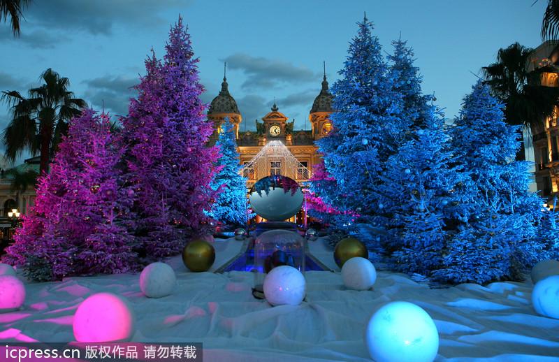 Beautifully Decorated Christmas Trees Around World