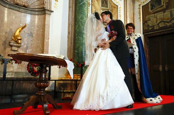 Group Marriage At Neuschwanstein Castle